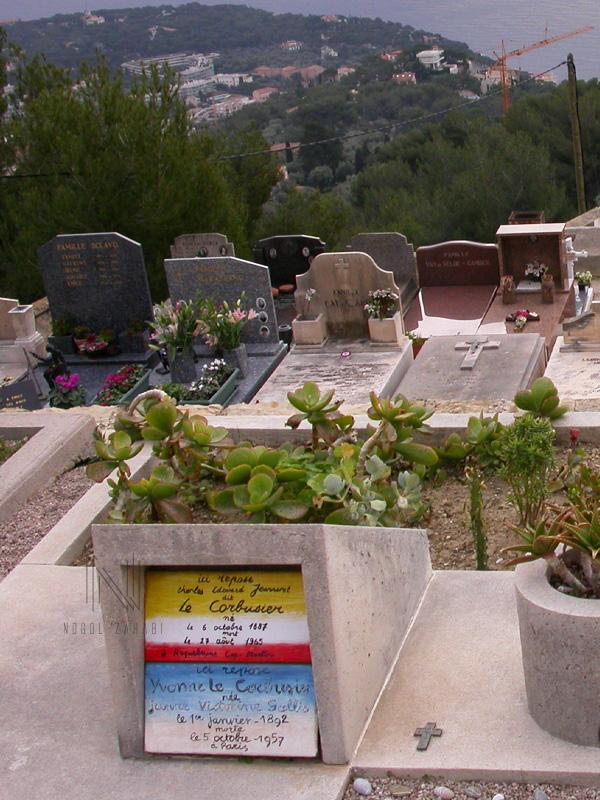 Le Corbusier grave Roquebrune Cap Martin France 2006